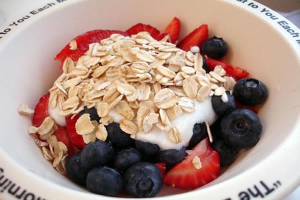 opioglykostropos_yogurtoatmeal.jpg