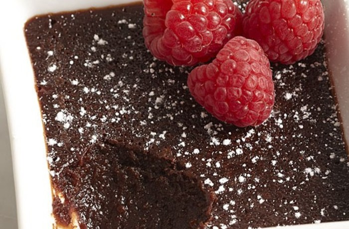 images_14_051115083-03-molten-chocolate-cake-recipe_xlg-600x350.jpg