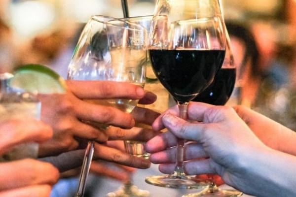 images_25_dinner_alcohol_appetite.jpg