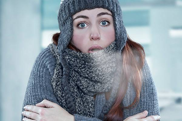 images_woman-feeling-cold-in-room.jpg