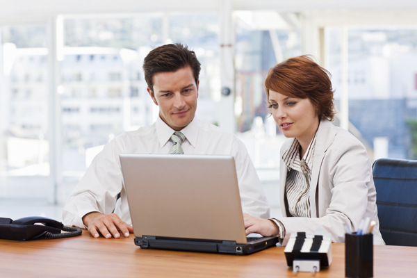 images_man-and-woman-at-work.jpg
