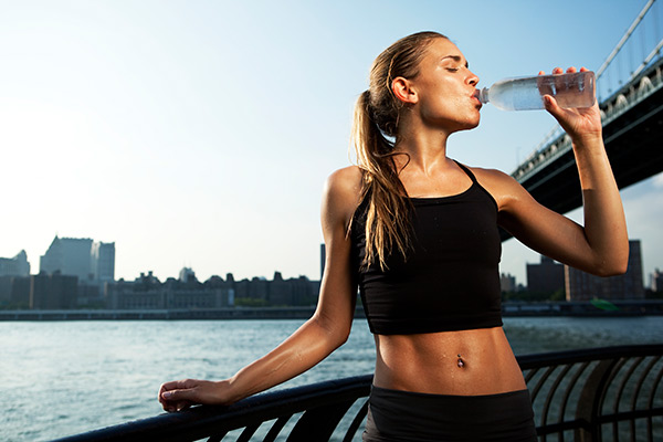 images_fit-woman-drinking.jpg