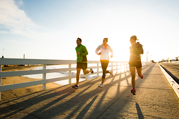 images_friends-running-early-morning.jpg