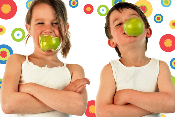 images_kids-eating-apples-6001.jpg