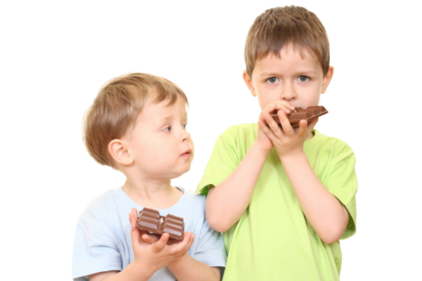 images_aaKids-Eating-Candy.jpg