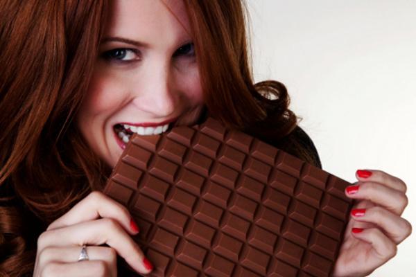 images_aeating-chocolate.jpg