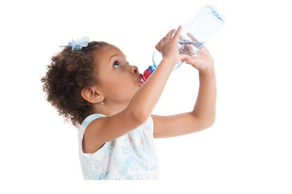 images_agirl.water_.bottle.jpg