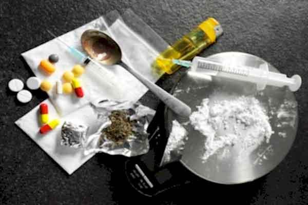 images_1Cocaine-Drugs.jpg