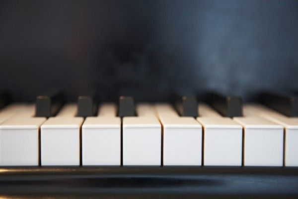 images_0piano.jpg