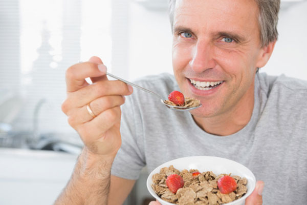 images_1man-eating-breakfast.jpg