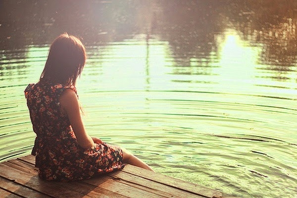 images_10122016_Alone-sadness-girl-lake-side-loneliness.jpg