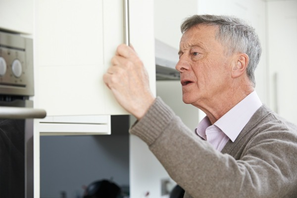 images_12122016_2_removing_musty_smells_from_cupboards_l4.jpg