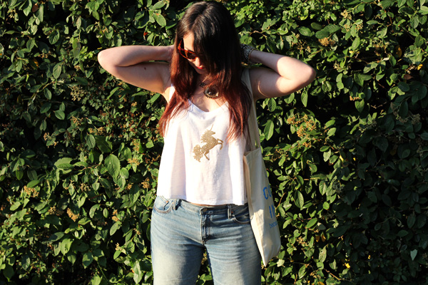 images_13122016_Classic-Jeans-and-White-Top-Outfit.jpg