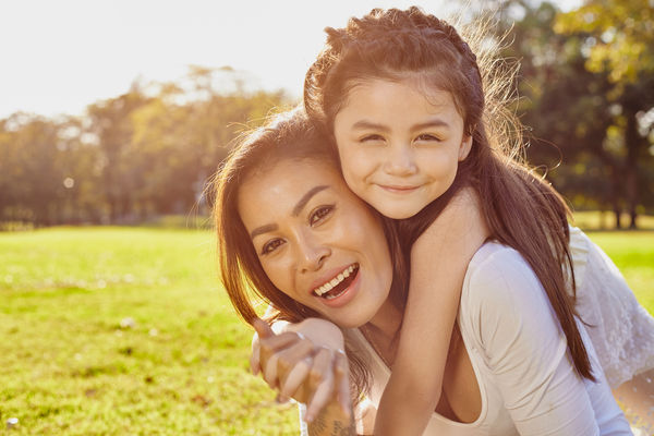 images_6122016_end_of_summer_activity_mom_and_child.jpg