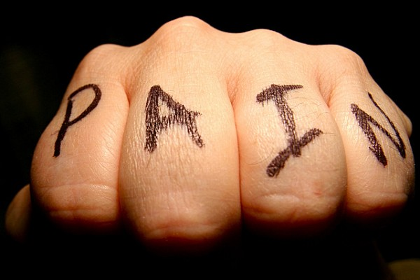 images_1712017_Pain-knuckle-.jpg