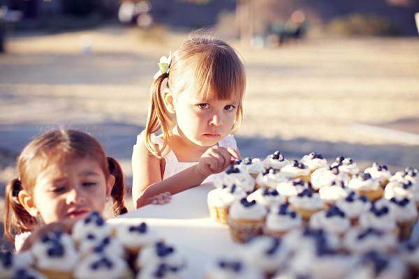images_2412017_2_child-eating-cupcakes-at-wedding.jpg