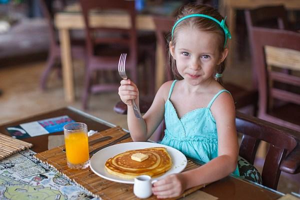 images_1222017_2_kids-eat-free.jpg