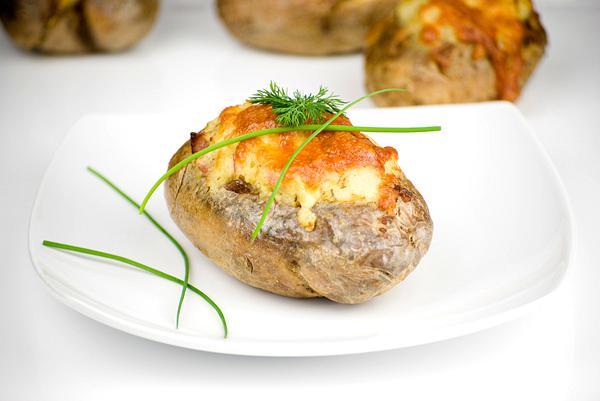 images_2622017_patates-gemistes-me-rokfor.jpg