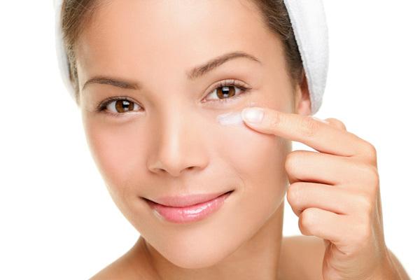 images_622017_applying-eye-cream.jpg