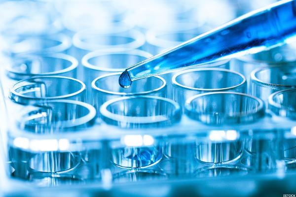 images_1132017_biotechtesttubes-blue_600x400.jpg