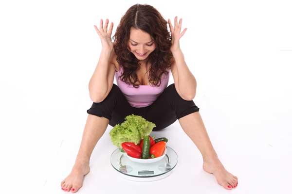 images_1632017_2_weight-weightloss-woman-veggies-diet-scales.jpg