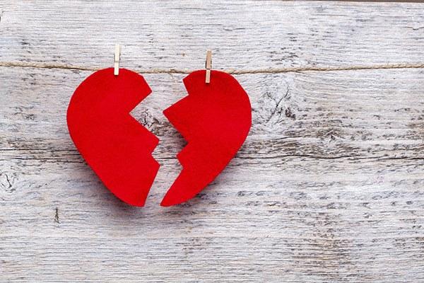 images_2132017_broken-heart-breakup-divorce-e1437151120475.jpg