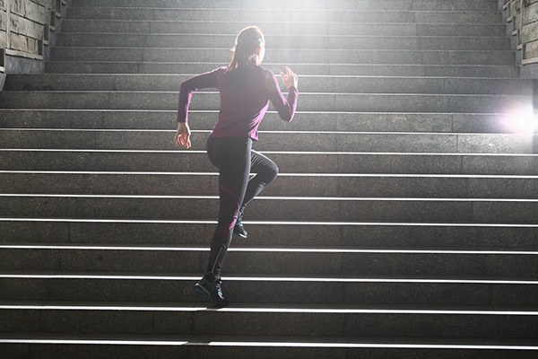 images_3132017_2_woman-running-stairs-workout-fit-fitness.jpg