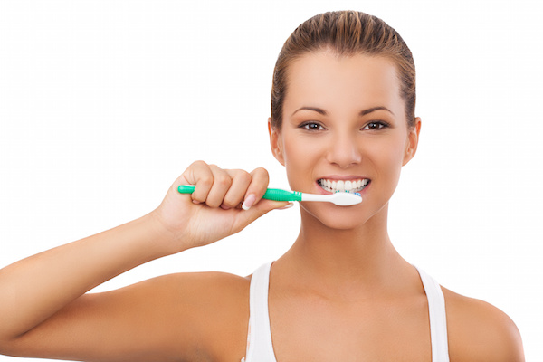 images_1242017_2_woman-brushing-teeth.jpeg