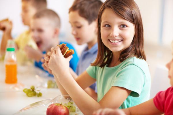 images_1442017_2_girl-eating-lunch1-e1442235455575-1.jpg