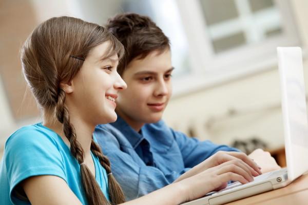 images_1942017_2_School-children-laptop-600x400.jpg