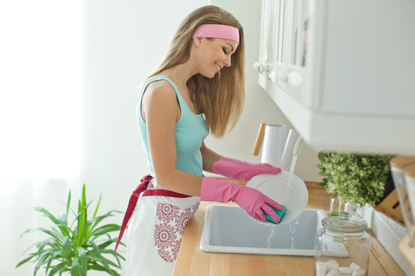 images_2042017_Woman-doing-housework-cleanup-Stock-Photo-01.jpg