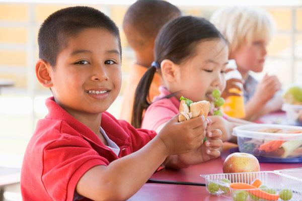images_242017_2_kids-eating-lunch-1.jpg