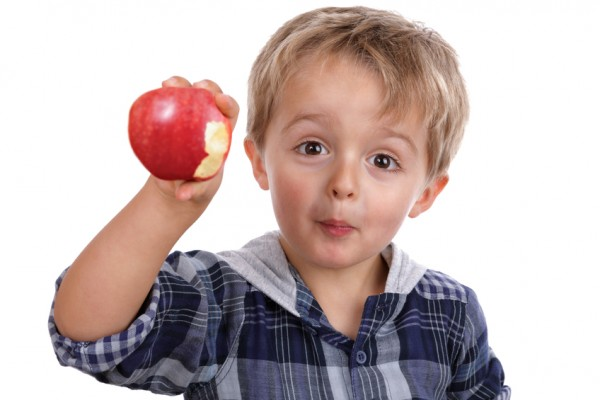 images_642017_toddler-eating-an-apple-sl-600x400.jpg