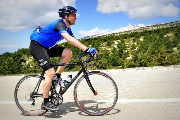 images_2152017_cyclist-394274_640-600x400.jpg