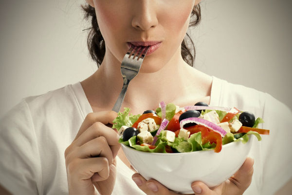images_252017_healthy-eating-salad-woman.jpg