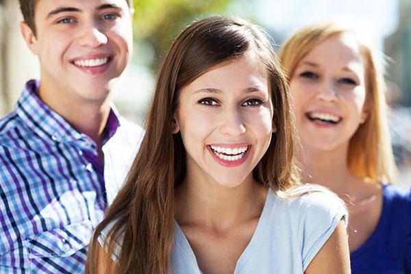 images_1062017_Teeth-whitening-for-teens.jpg