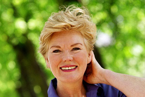 images_562017_2_short-hairstyles-for-older-women-pictures-40645.jpg