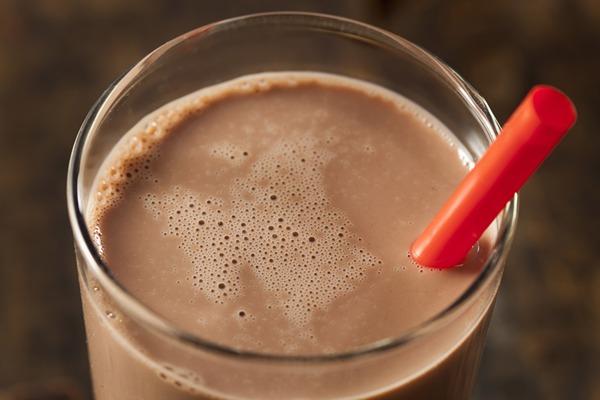 images_1382017_chocolate-milk-glass-chocolate-milk-diet-md.jpg