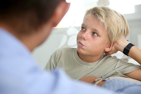images_1882017_DK_Kid-discusses-custody.jpg