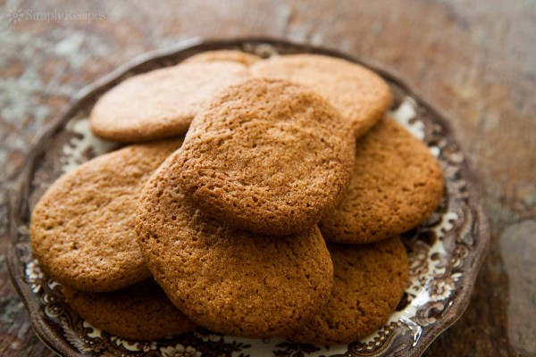 images_2482017_cinnamon-snap-cookies-horiz-a-1600-600x400.jpg