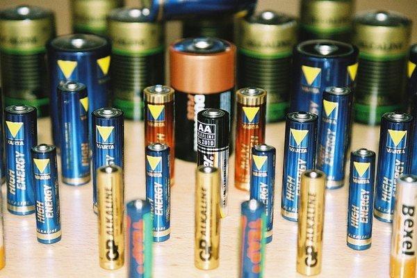 images_3182017_2_batteries.jpg