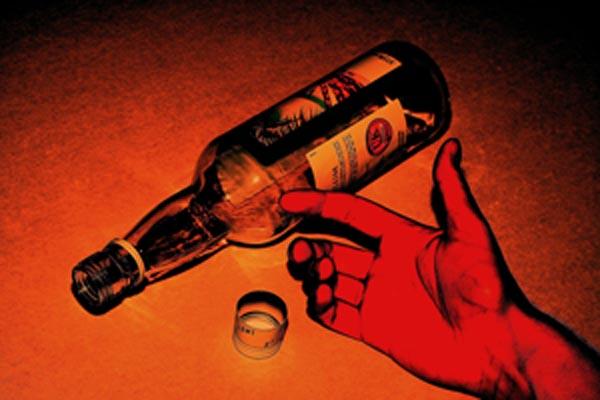 images_1092017_alcohol-bottle-fallen-over-1.jpg