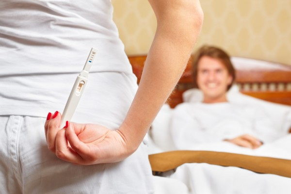 images_1792017_pregnancy-test-couple-600x400.jpg